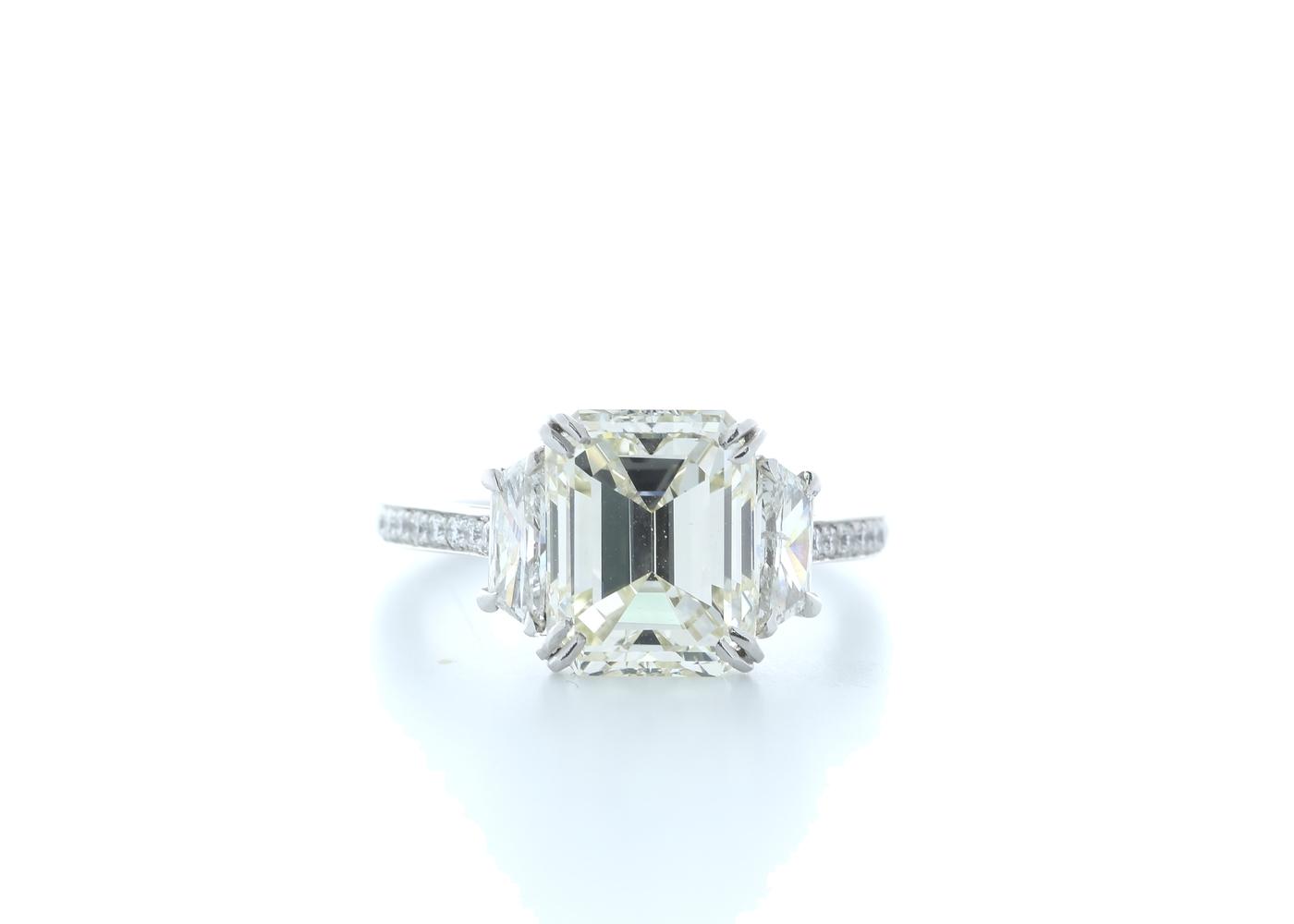 18ct White Gold Emerald Cut Diamond Ring 5.31 (4.56) Carats