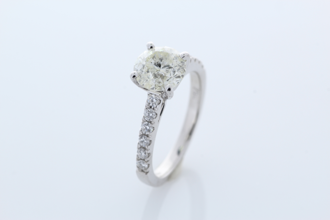 18ct White Gold Stone Set Shoulders Diamond Ring 1.92 Carats - Image 5 of 6
