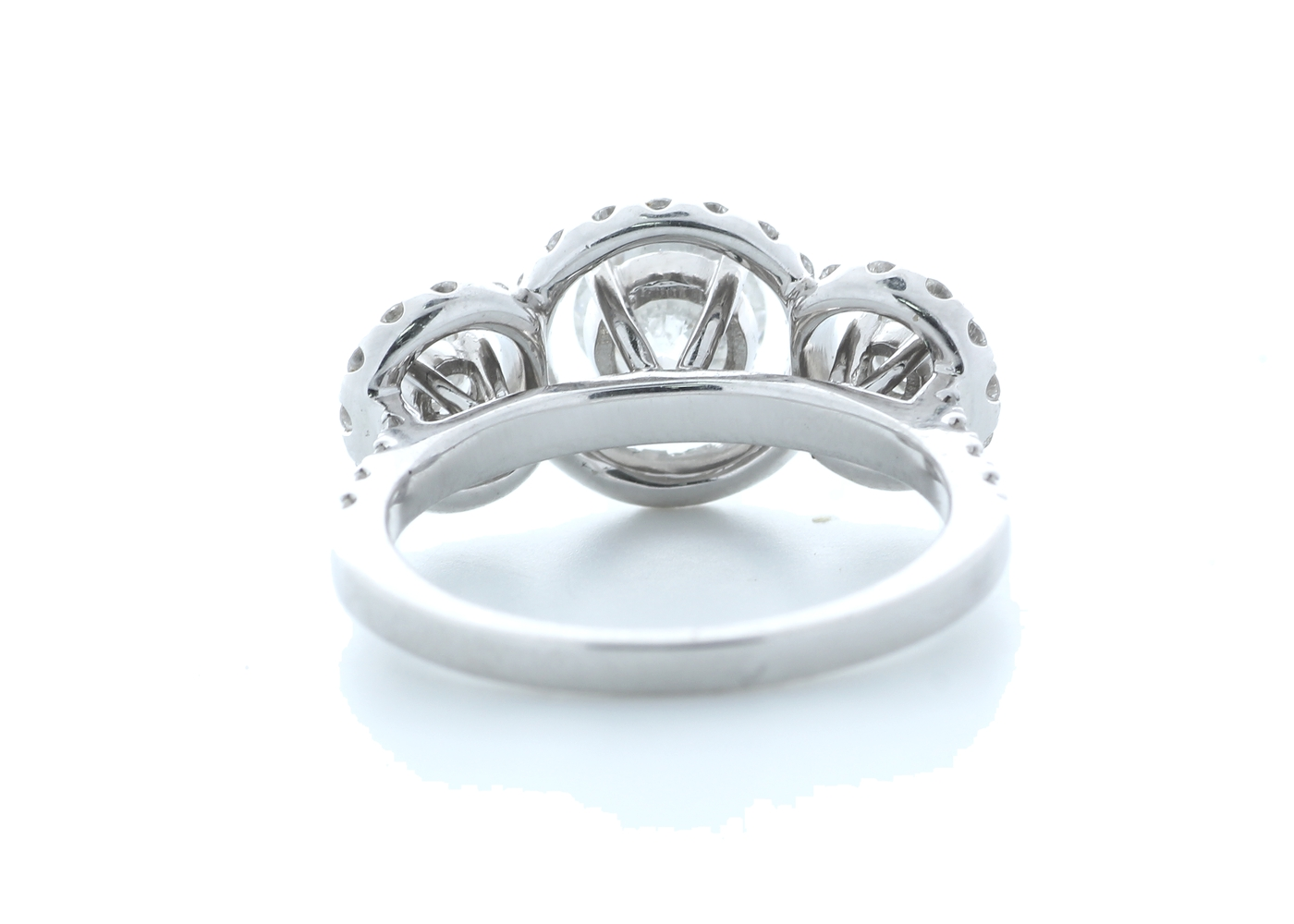 18ct White Gold Three Stone Halo Set Diamond Ring 1.91 Carats - Image 3 of 5