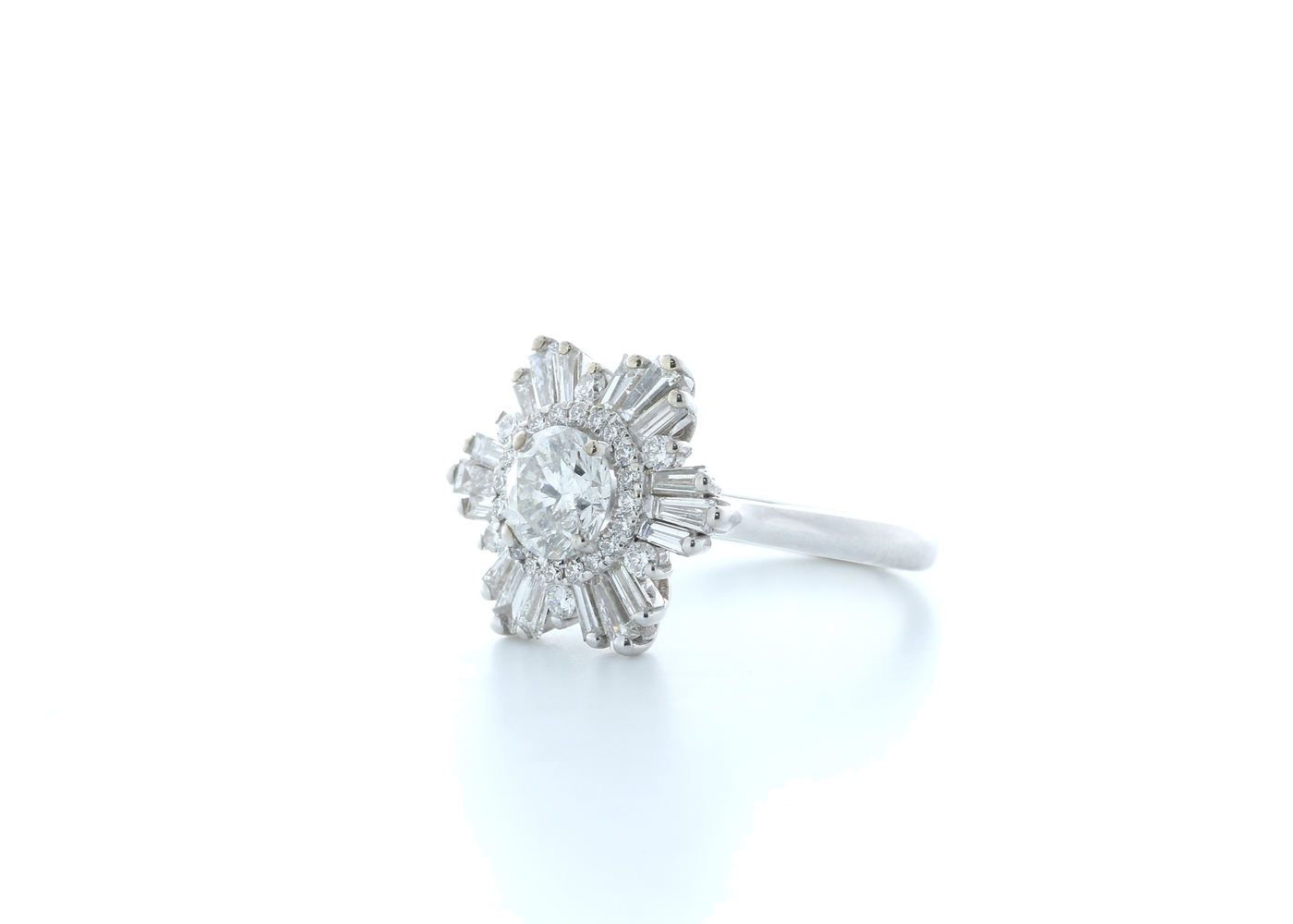 18ct White Gold Round Cluster Claw Set Diamond Ring 1.58 (0.77) Carats - Image 2 of 5