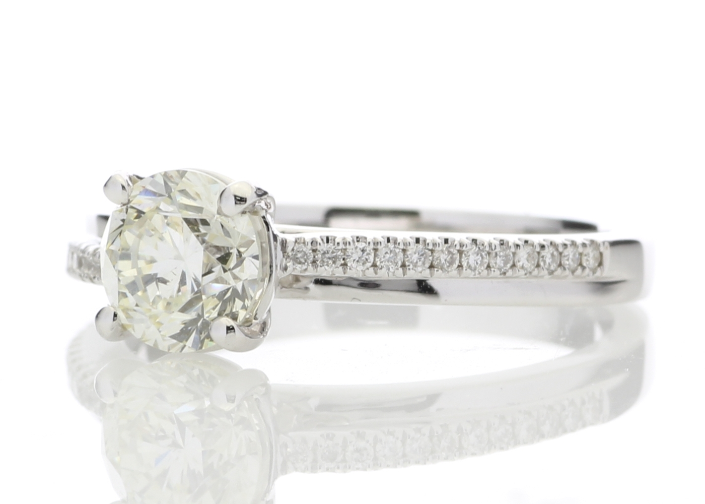 18ct White Gold Stone Set Shoulders Diamond Ring 1.11 Carats - Image 2 of 5