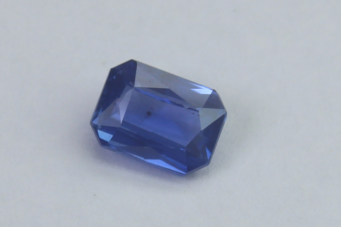 Blue Sapphire 0.79 Ct - Image 2 of 5