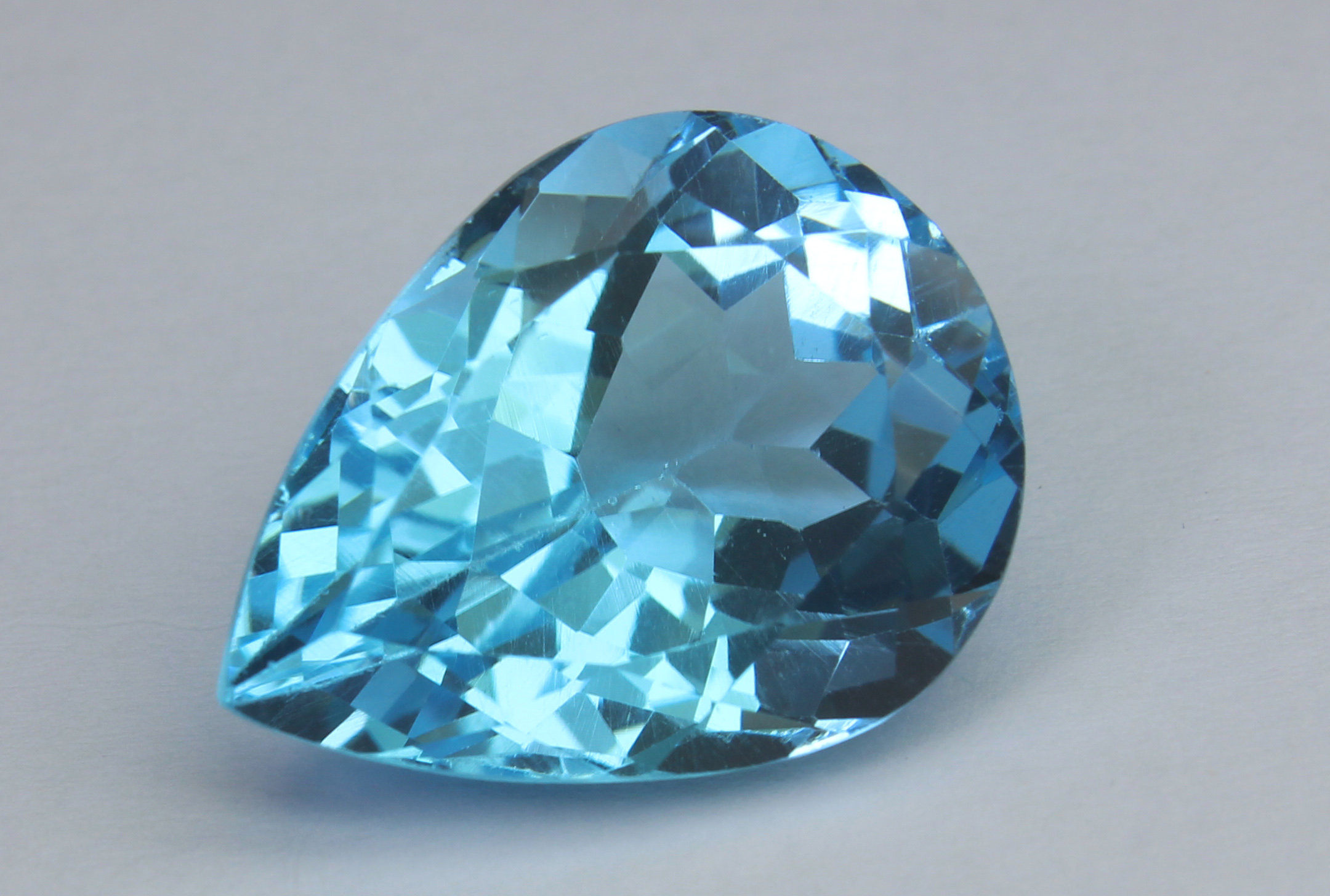 Blue Topaz 18.28 Ct - Image 2 of 6
