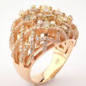 18K Rose Gold Ring- Total 4,05 ct Diamond