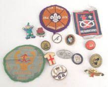 Vintage 15 x Assorted Badges