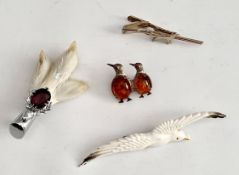 Vintage Parcel of Animal Brooches 3 in Total Plus Tie Clip