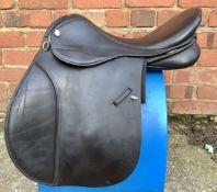 "18"" Medium GFS VSD Saddle with Flair - Black"