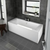 New (U9) 1700x700mm Supercast Solarana Double Ended Bath. No Tap Included. Panels Not Included....