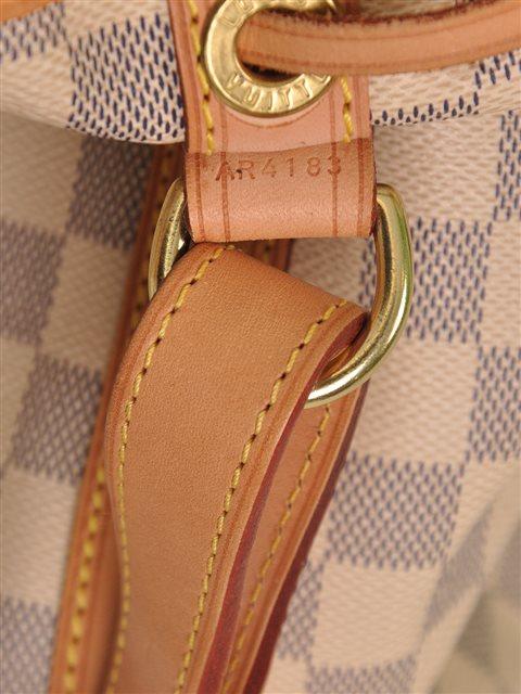 Louis Vuitton - Damier Azur Noe Bucket Leather Shoulder Bag - Image 6 of 7