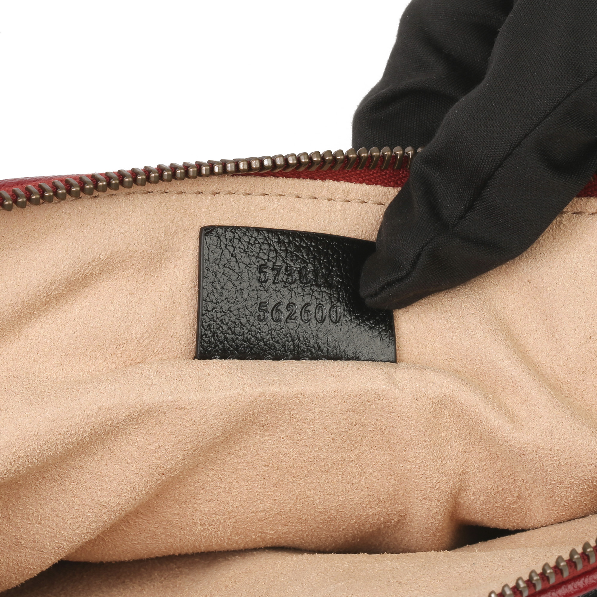 Gucci Black, Cream & Red Diagonal Quilted Aged Calfskin Leather Marmont Pouch - Image 4 of 11