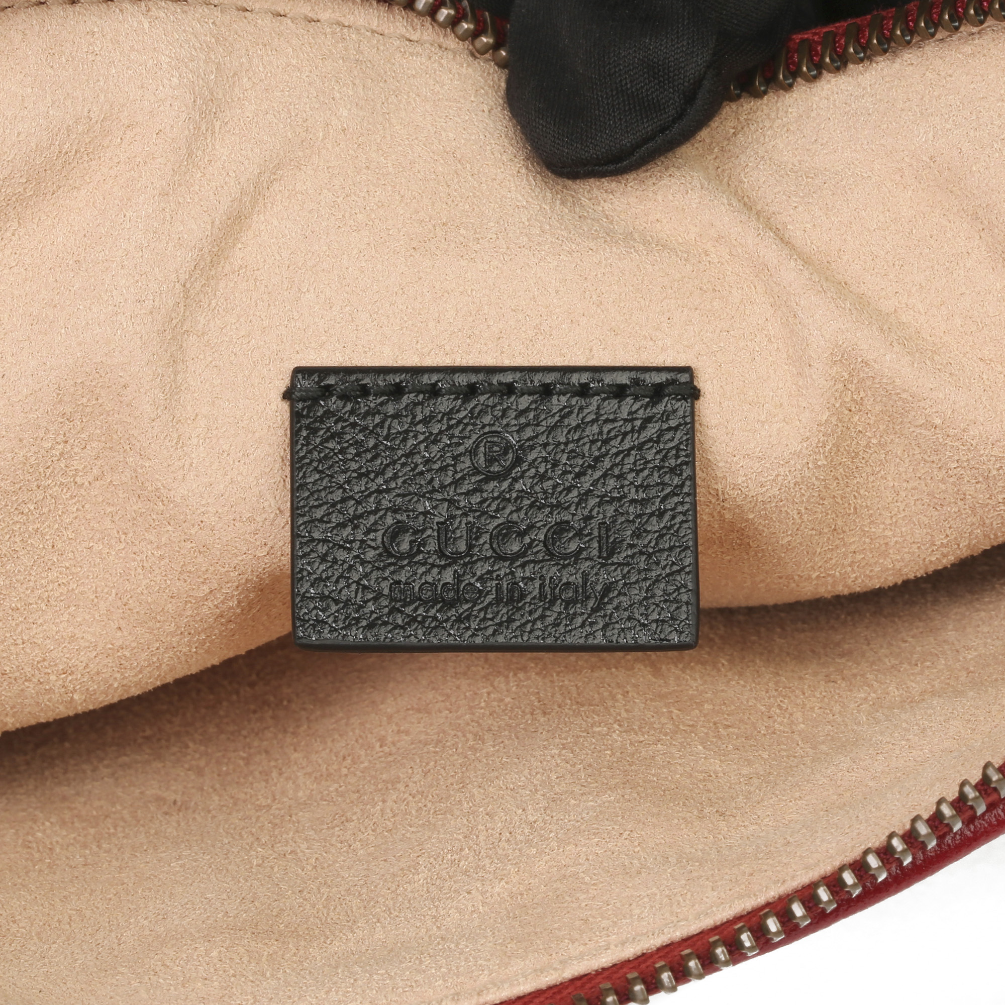 Gucci Black, Cream & Red Diagonal Quilted Aged Calfskin Leather Marmont Pouch - Image 5 of 11
