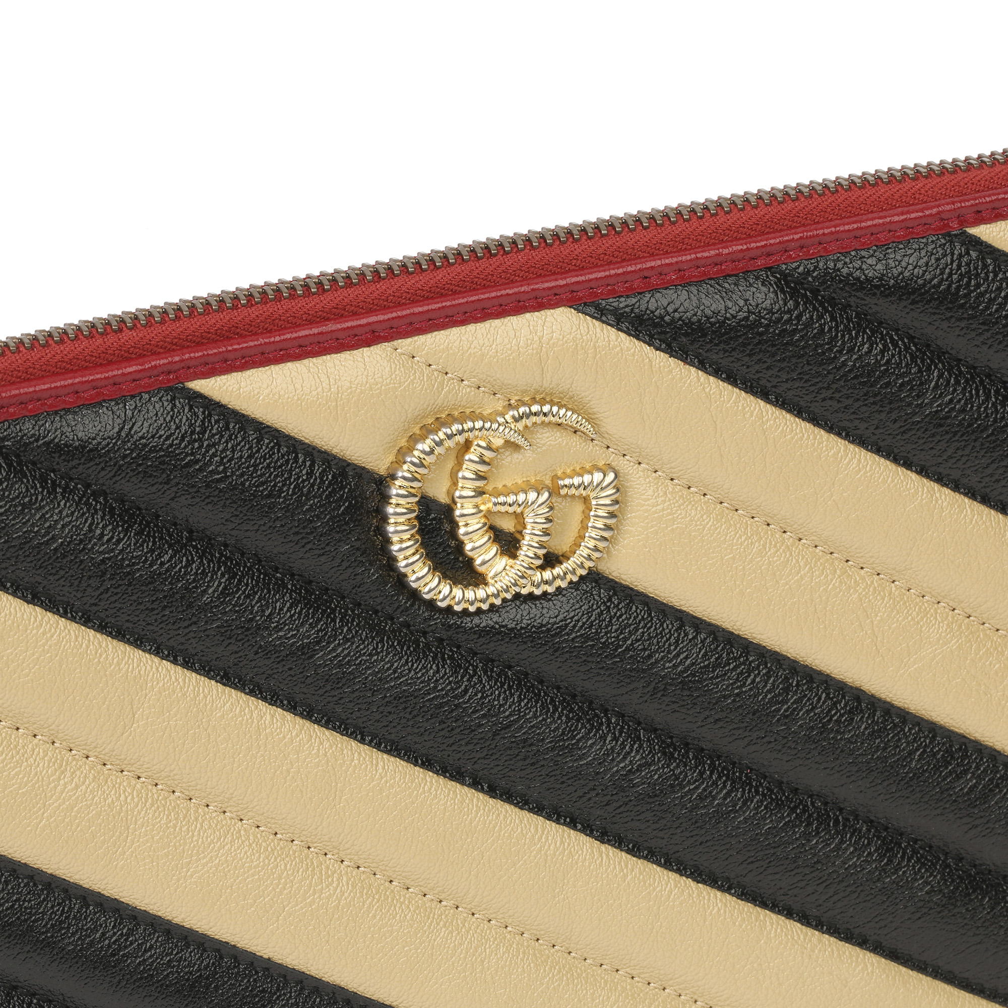 Gucci Black, Cream & Red Diagonal Quilted Aged Calfskin Leather Marmont Pouch - Image 7 of 11