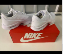Womans Nike Air Max Jewell Brand New