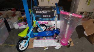 (R3G) 5 Items : 3 X Evo Light Up Move N Groove Scooter (1 X No Box) & 2 X Evo Balance Bike (1 X No