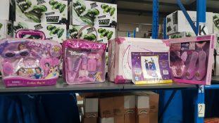 (R4K) Toys. 4 Items : 1 X Disney Princess Fashion Bag Set, 1 X Disney Princess Beauty Bag Set. 1 X