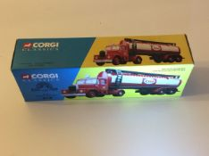 Corgi 16302 Scammell Highwayman & Esso Tanker Set