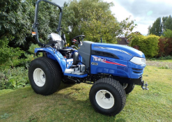 ISEKI TH4335 COMPACT TRACTOR 4x4 hst rops