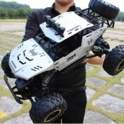 Brand New Large Remote control 4x4 vehicle