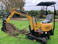 Carter 0.8 mini digger 3 buckets quick hitch (3 available in this auction)