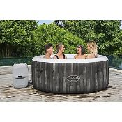 1 X Bestway Lay-Z-Spa Bahamas Portable Spa. Airjet System. 120 Bubble Jets. Capacity 2/4 (RRP £700)