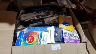 (R5N) Pharmacy. Contents Of Floor. A Quantity Of Mixed Bathroom / Medical / Grooming Items (All Old