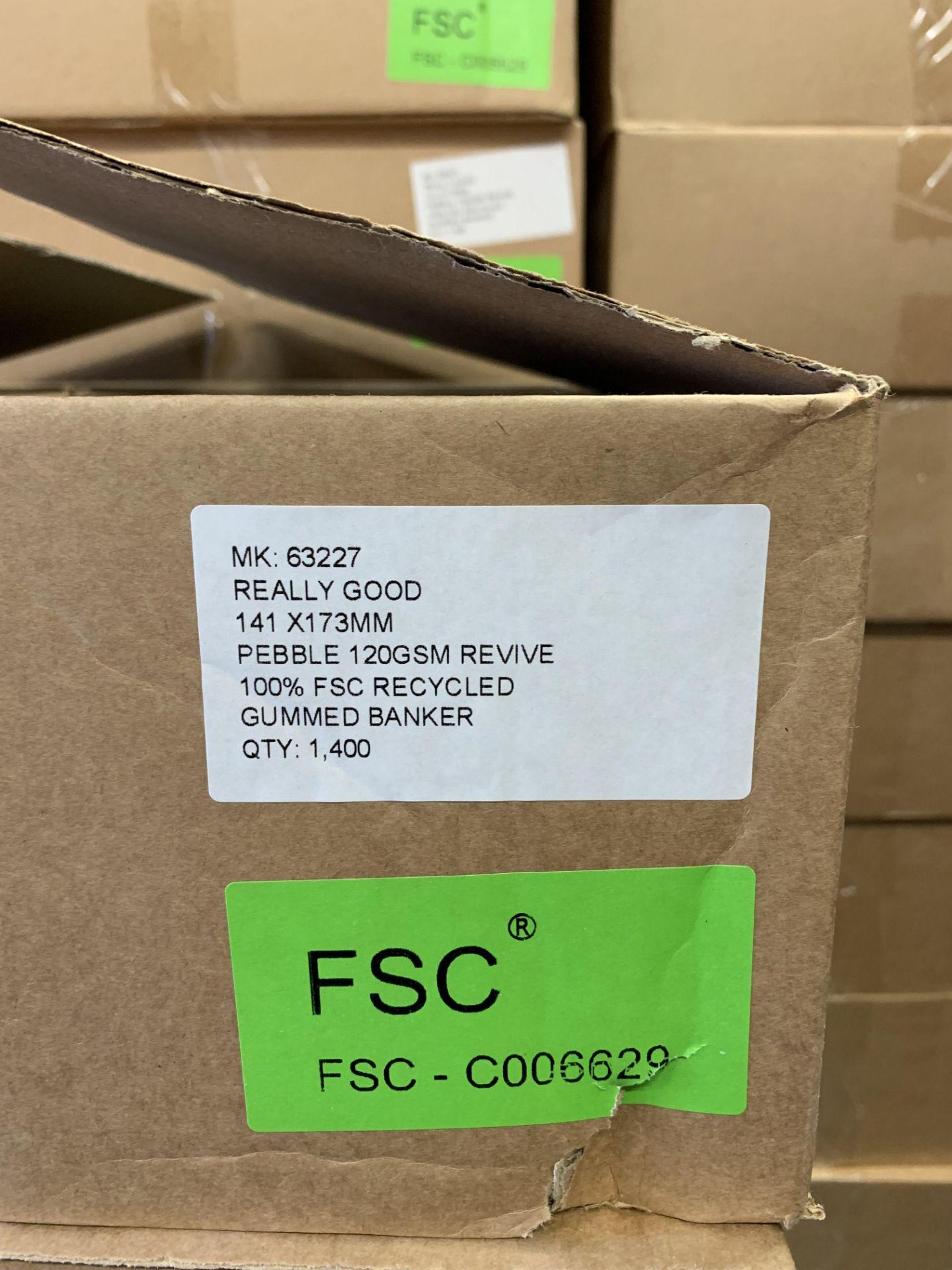 1400 Premium Pebble 120Sm Gu mmed Banker Envelopes 141 x 173 mm