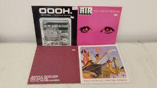 "4 X 12""Vinyl. 1 X De La Soul Oooh, 1 X Air Kelly Watch The Stars. 1 X Artful Dodger Think About"