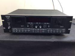 TASCAM DA-302 DUAL DAT TAPE RECORDER