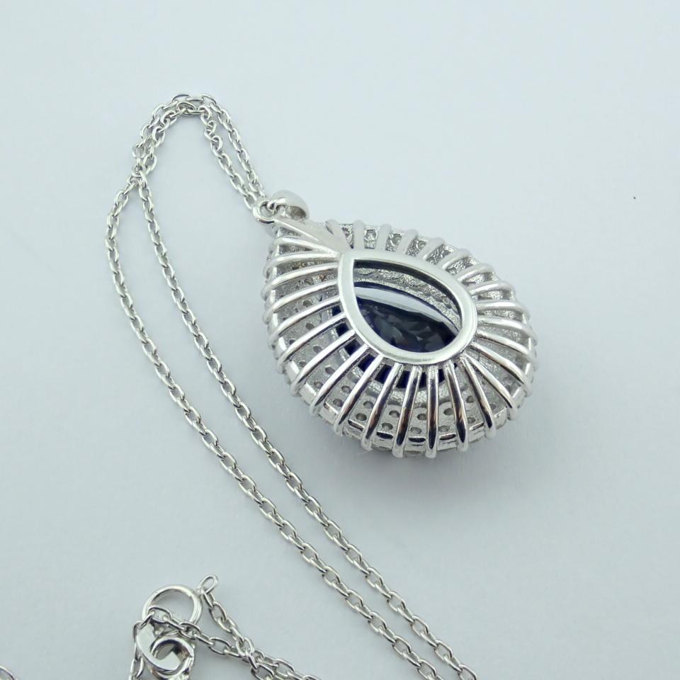 14K White Gold Diamond & Emerald Necklace - Image 2 of 14