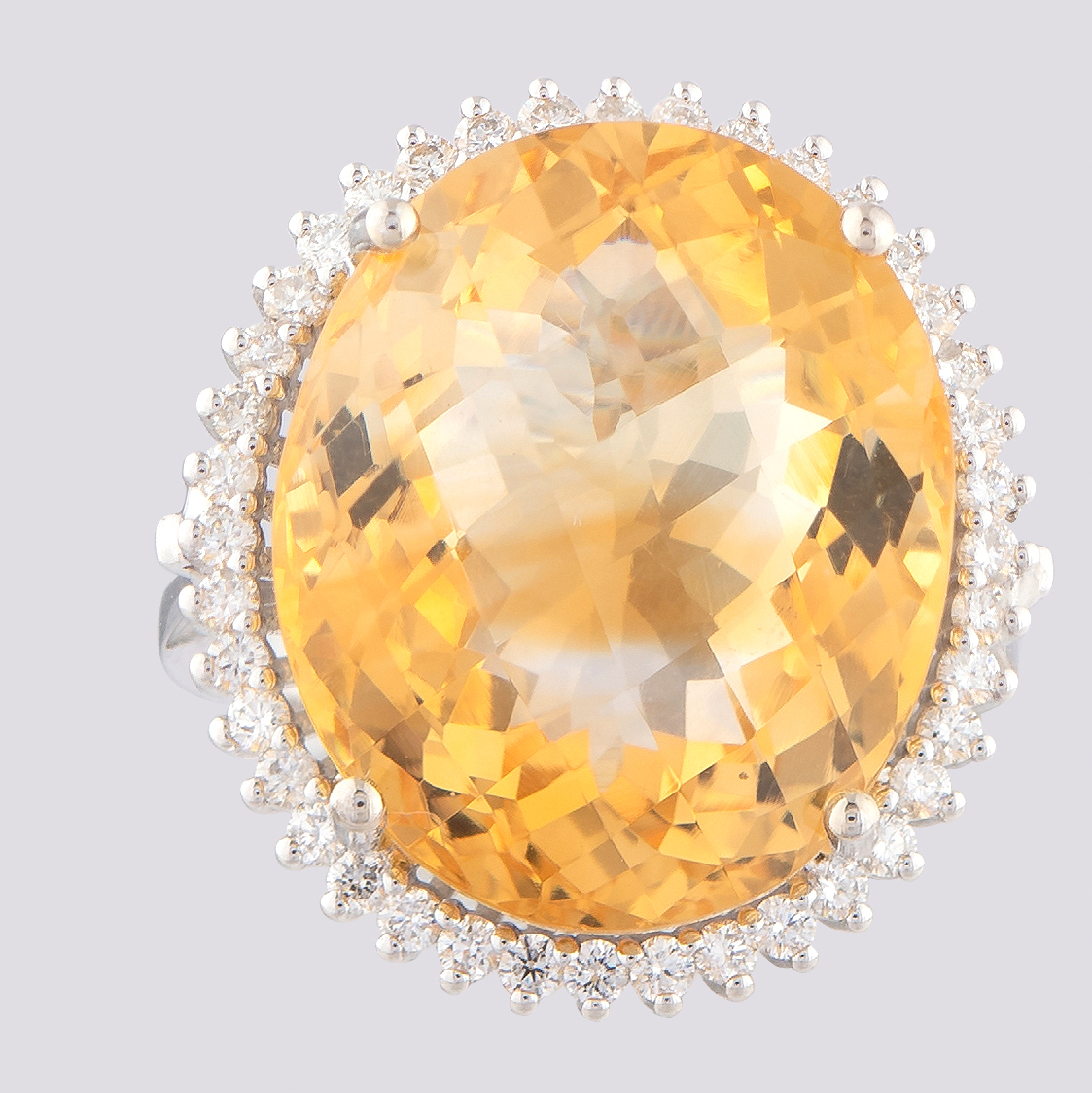14K White Gold Large Cluster Ring 17,90 Ct. Citrine - 0,55 Ct. Diamond - Image 2 of 4