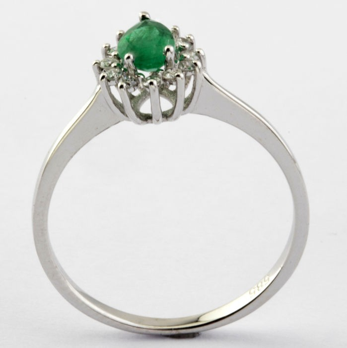 14K White Gold Cluster Ring , natural emerald and diamond - Image 5 of 5