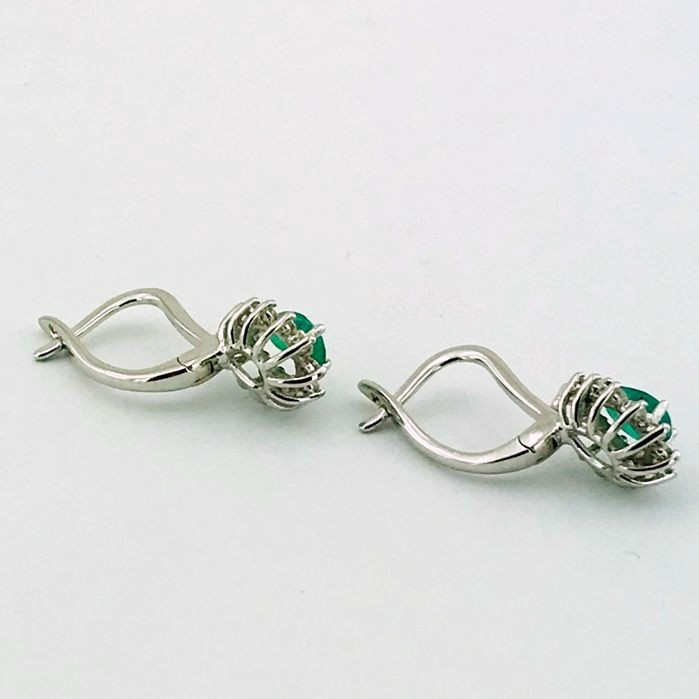 14K White Gold Cluster Earring , natural emerald and diamond - Image 2 of 6