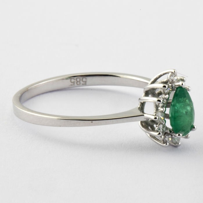 14K White Gold Cluster Ring , natural emerald and diamond - Image 2 of 5