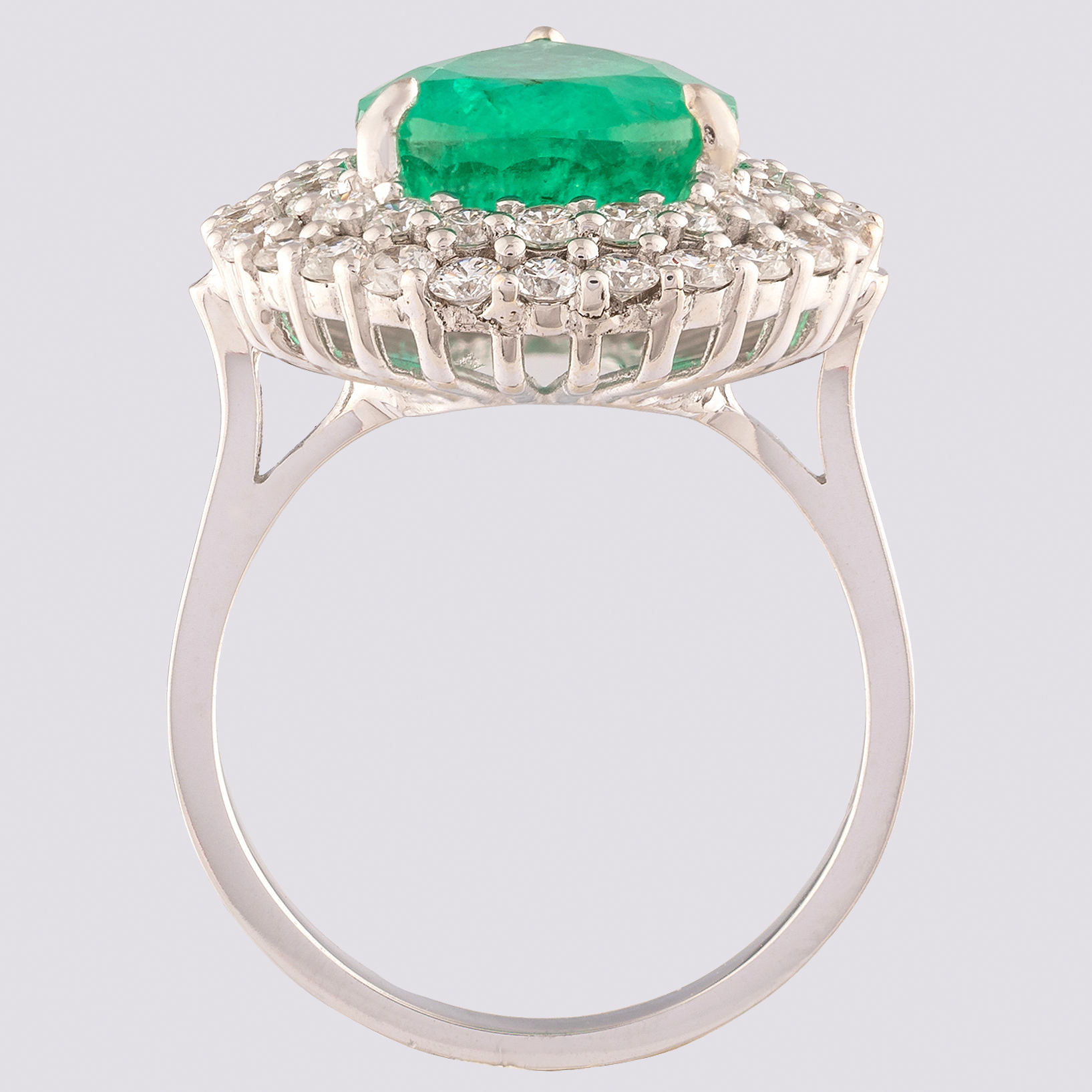 14K White Gold Cluster Ring 4,70 Ct. Natural Emerald - 1,40 Ct. Diamond - Image 4 of 4