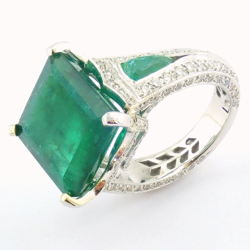 18K White Gold Cluster Ring - 4,75 Ct. Natural Emerald - 0,60 Ct. Diamond - Image 10 of 11
