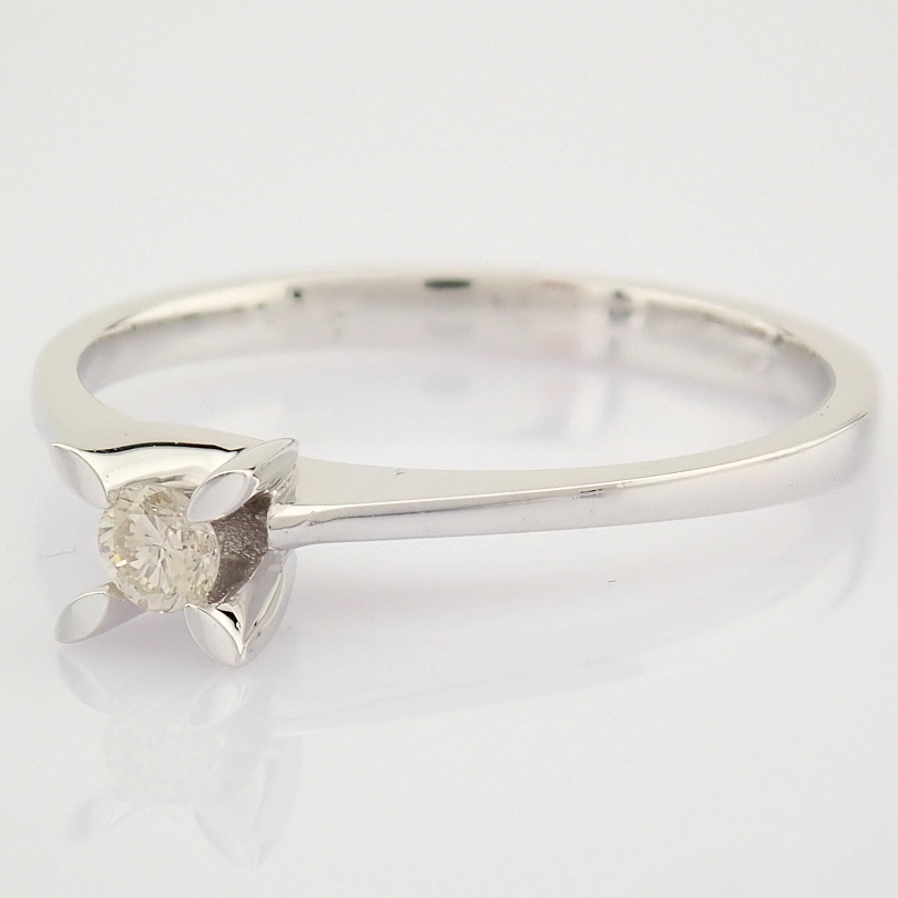 14 White Gold Diamond Solitaire Ring - Image 4 of 6