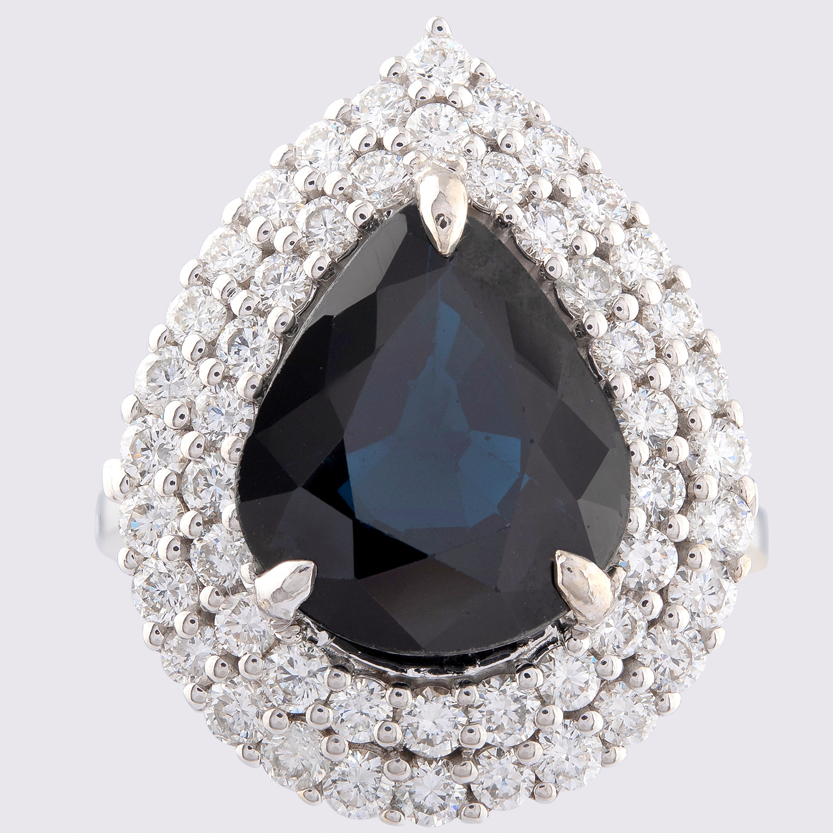 14K White Gold Cluster Ring 5,75 Ct. Natural Sapphire - 1,40 Ct. Diamond - Image 3 of 4