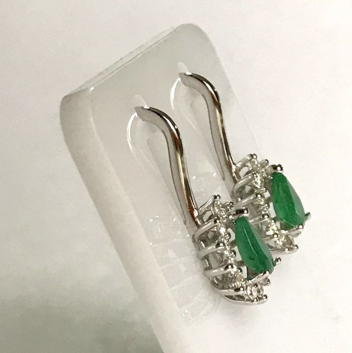 14K White Gold Cluster Earring , natural emerald and diamond - Image 3 of 6