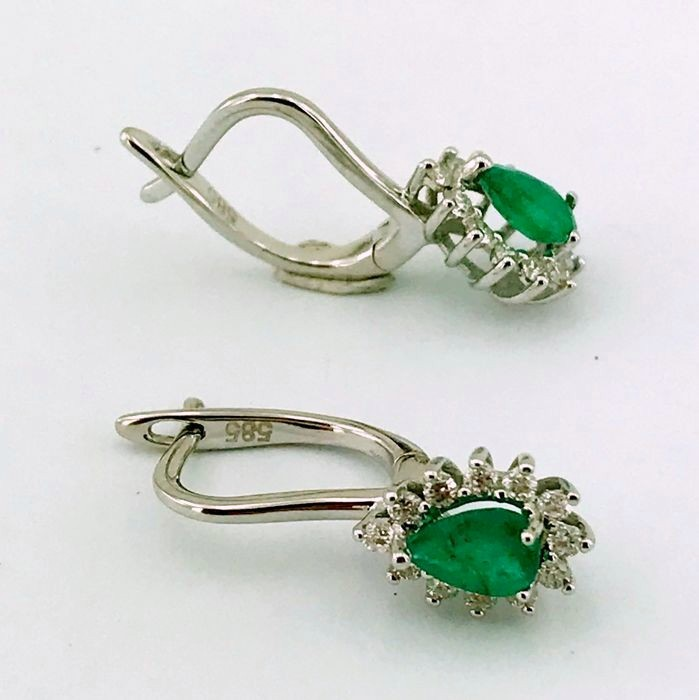 14K White Gold Cluster Earring , natural emerald and diamond - Image 5 of 6