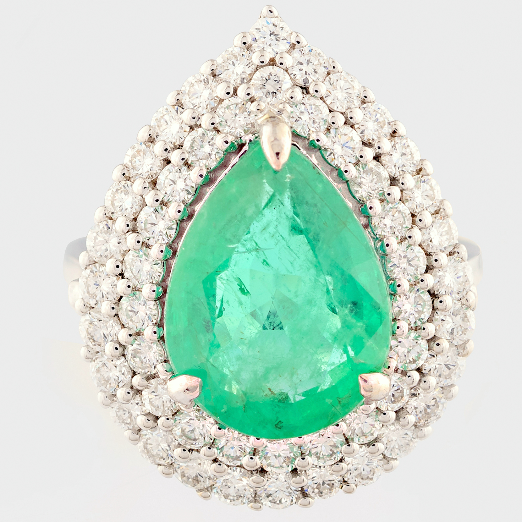14K White Gold Cluster Ring 4,70 Ct. Natural Emerald - 1,40 Ct. Diamond - Image 2 of 4