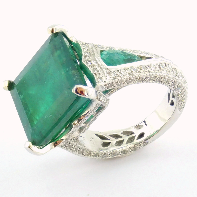 18K White Gold Cluster Ring - 4,75 Ct. Natural Emerald - 0,60 Ct. Diamond - Image 11 of 11