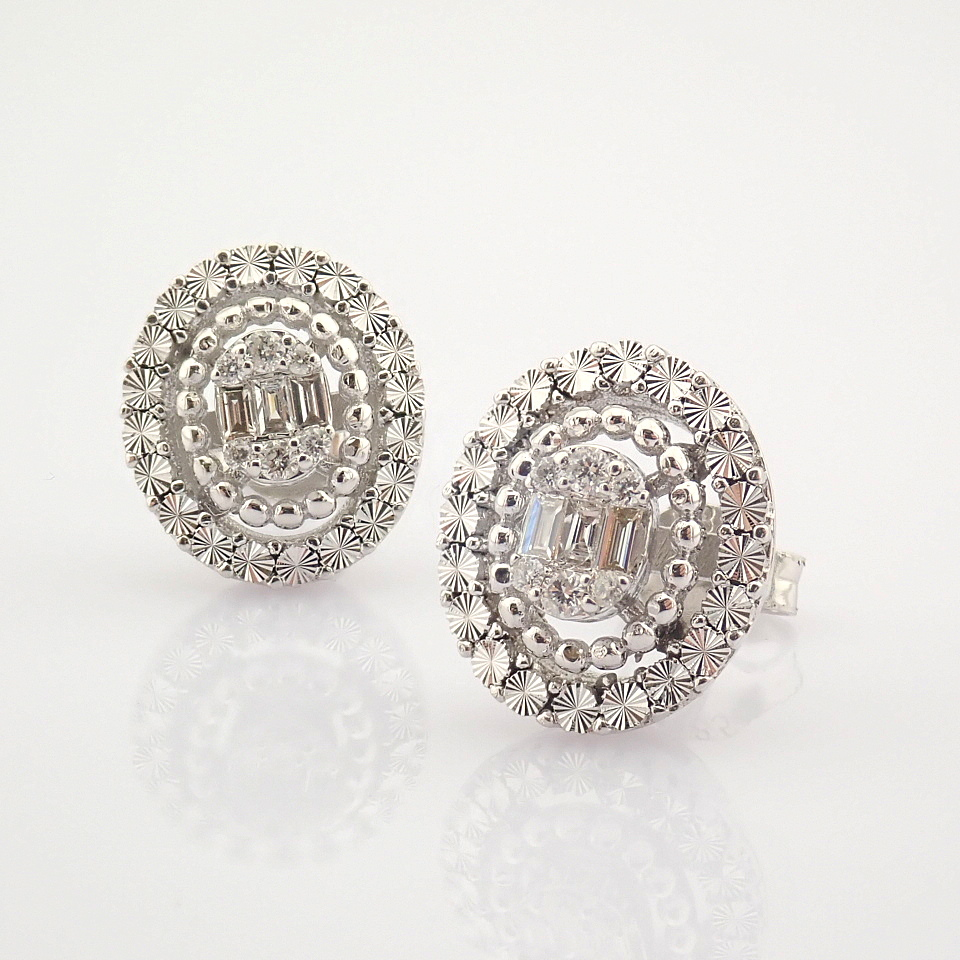 14K White Gold Diamond Earring - Image 4 of 10