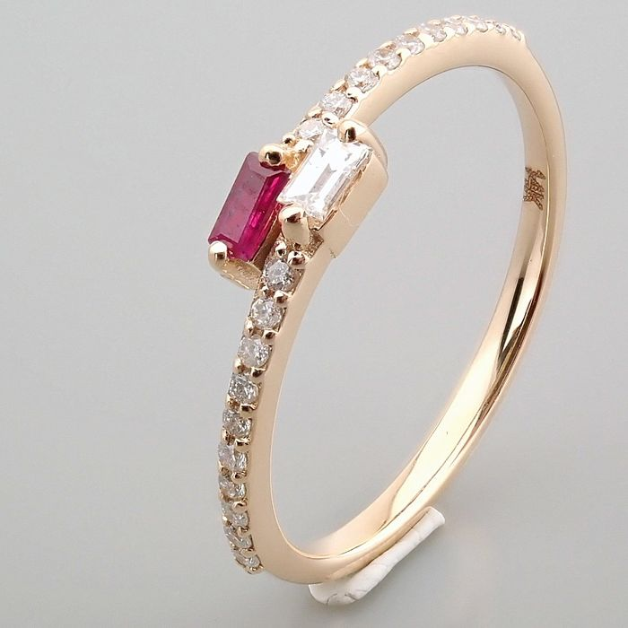 14 kt. Yellow gold - Ring - 0.14 Ct. Diamond - Ruby