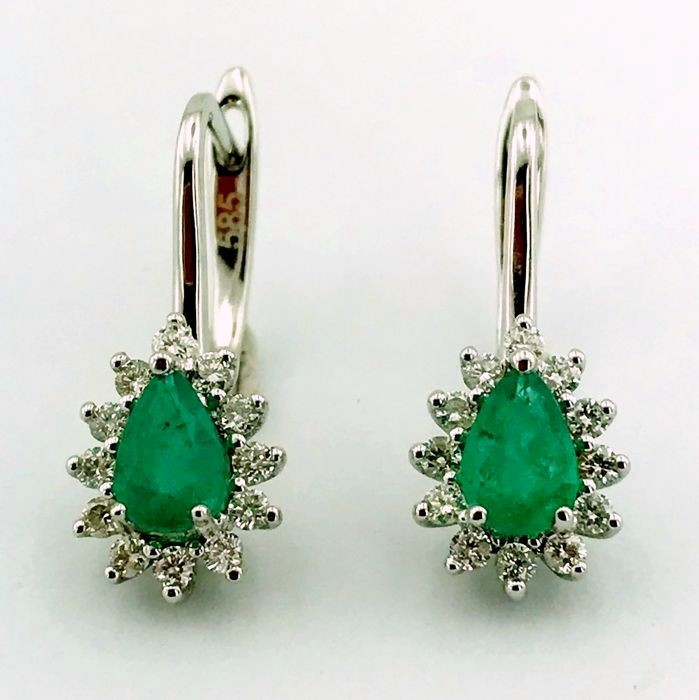 14K White Gold Cluster Earring , natural emerald and diamond - Image 6 of 6