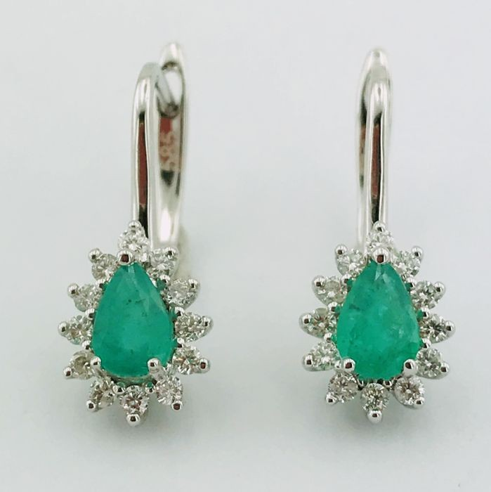 14K White Gold Cluster Earring , natural emerald and diamond - Image 4 of 6