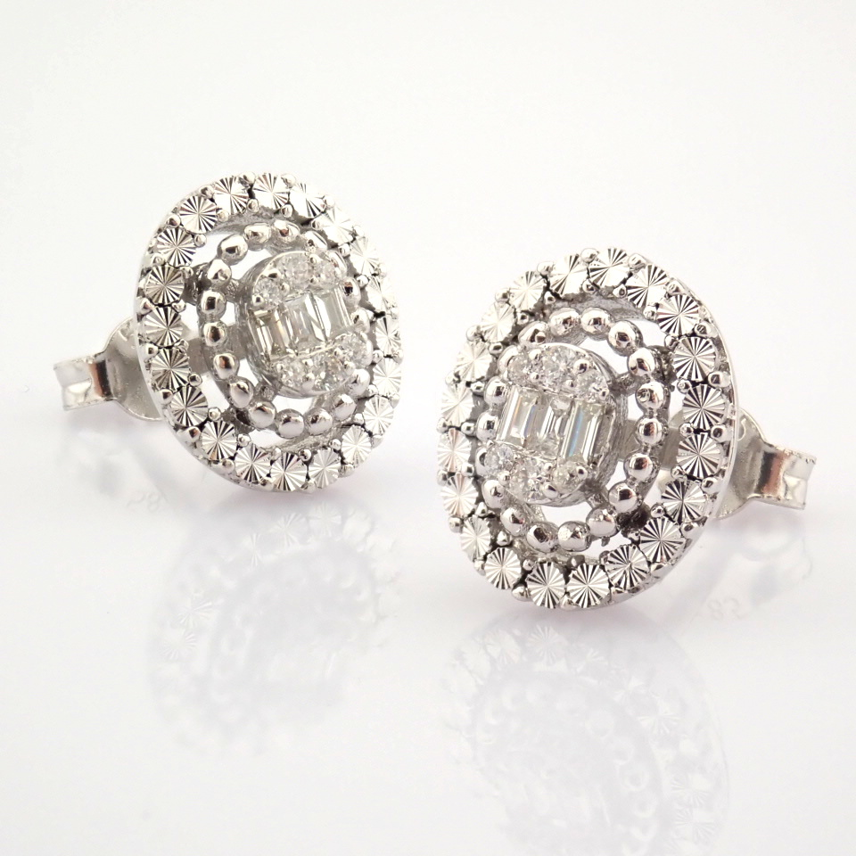 14K White Gold Diamond Earring - Image 5 of 10