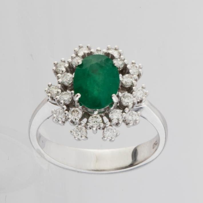 18K White Gold Emerald Cluster Ring Total 1.45 Ct. - Image 3 of 4