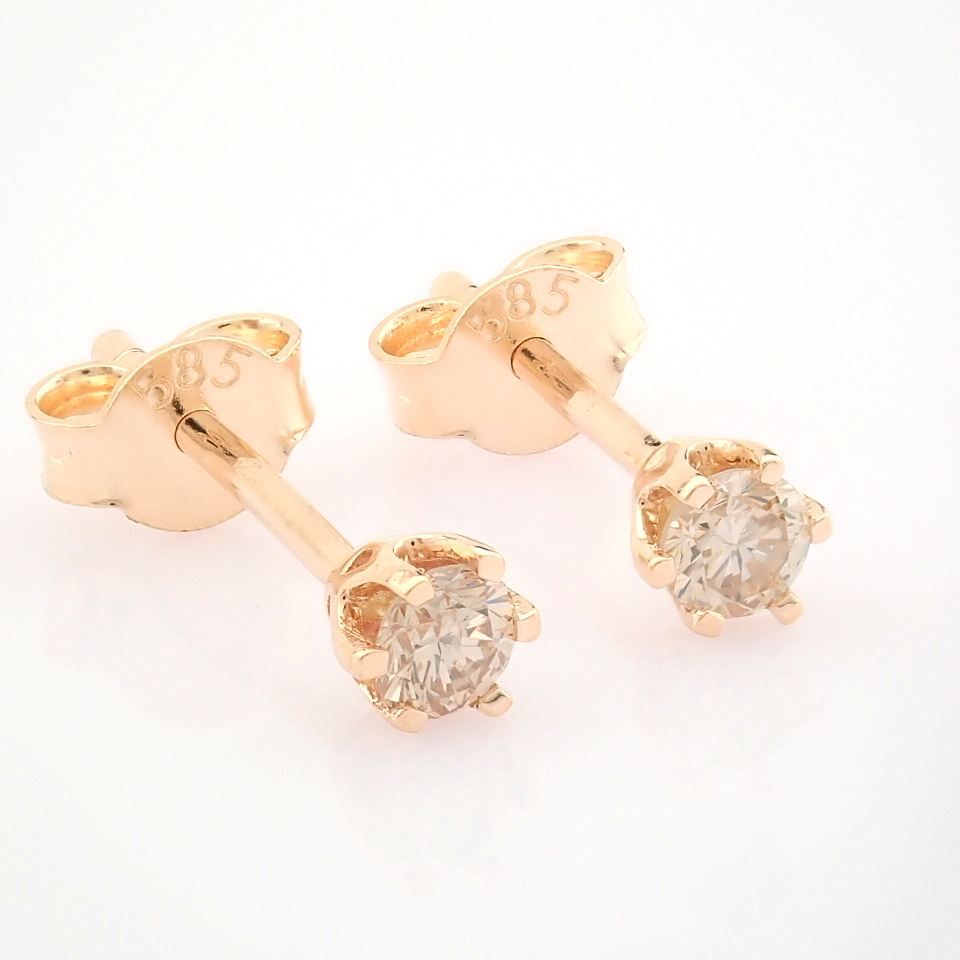 14 Rose/Pink Gold Diamond Solitaire Earring
