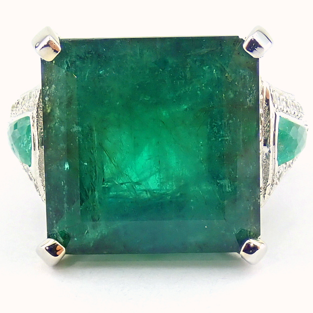 18K White Gold Cluster Ring - 4,75 Ct. Natural Emerald - 0,60 Ct. Diamond - Image 8 of 11
