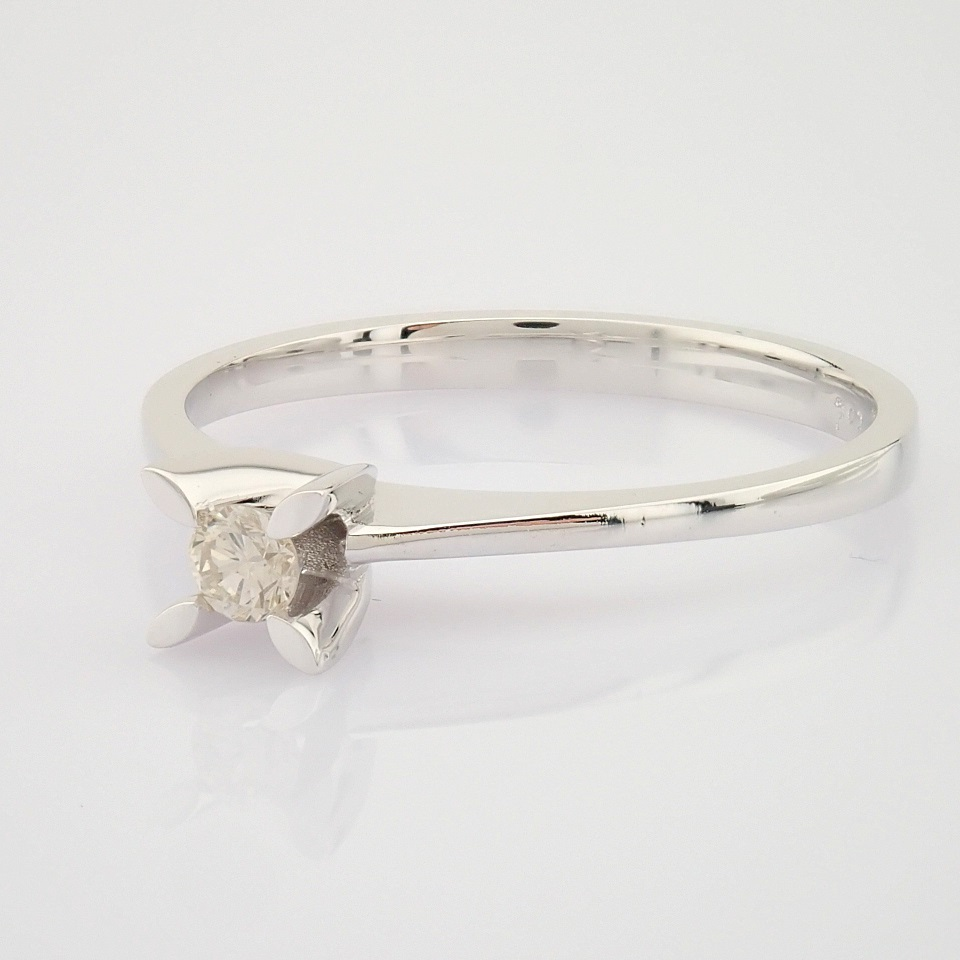 14 White Gold Diamond Solitaire Ring - Image 3 of 6